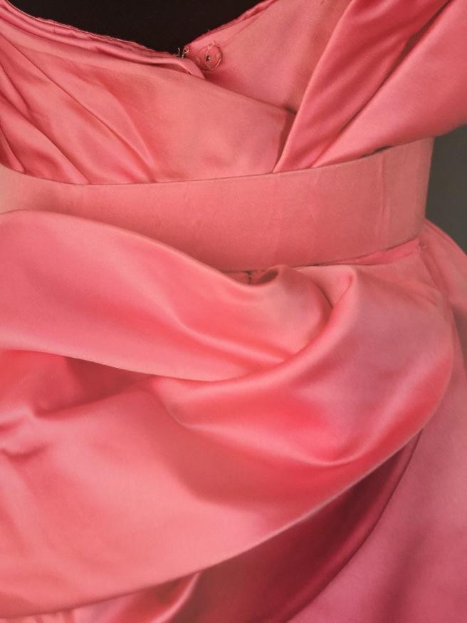 pinkbackbow